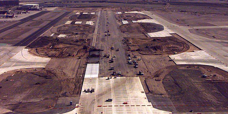 Sky Harbor Int'l Airport - Center Runway